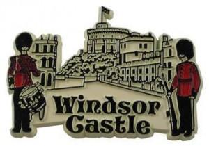 windsor_castle_magnet__90015.1343240366.900.900